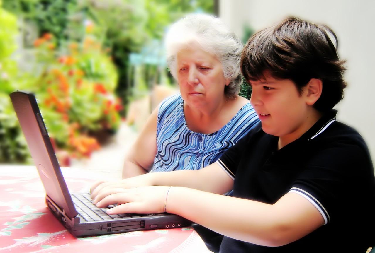 Czy dziecko powinno spędzać czas przy komputerze?